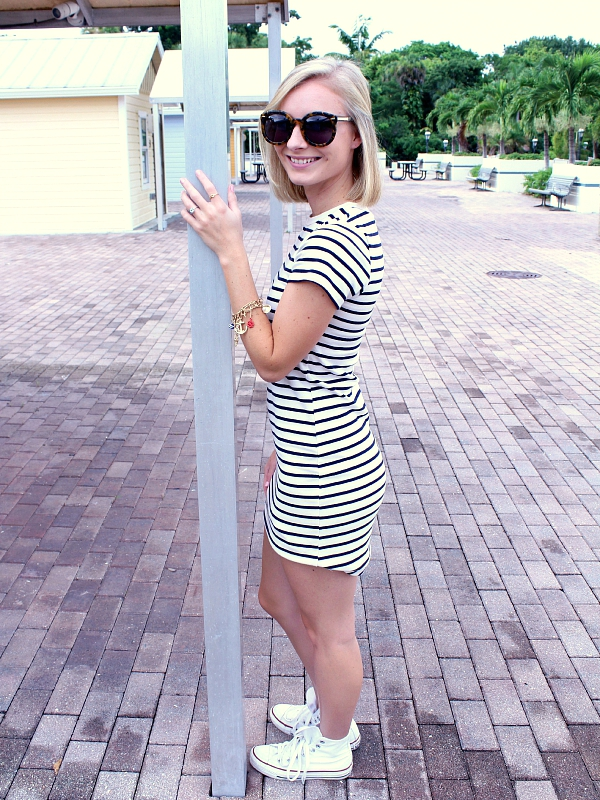 striped dress and converse outfit