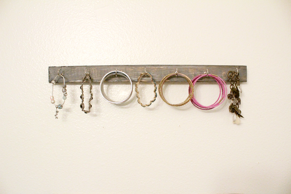 diy hanging jewelry holders