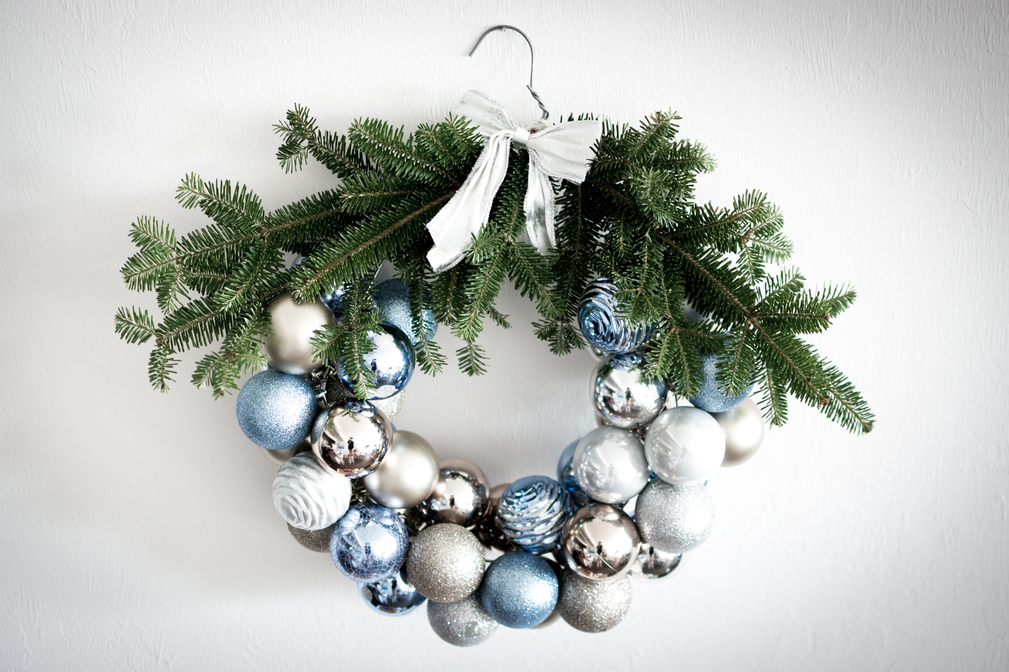 Holiday DIY: Ornament Wreath