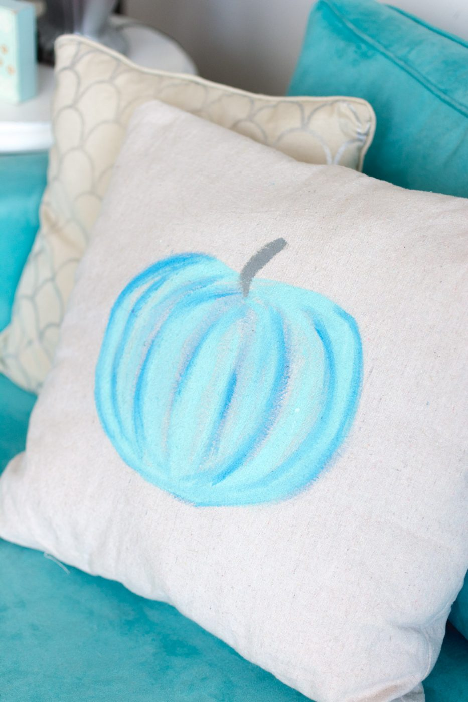 pumpkin pillow - diy fall decor
