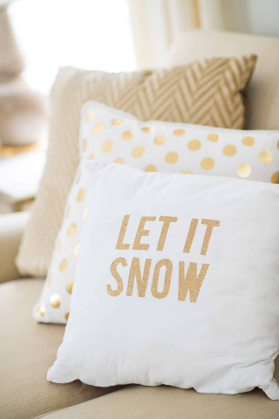 10 DIY Winter Decorations - pillows