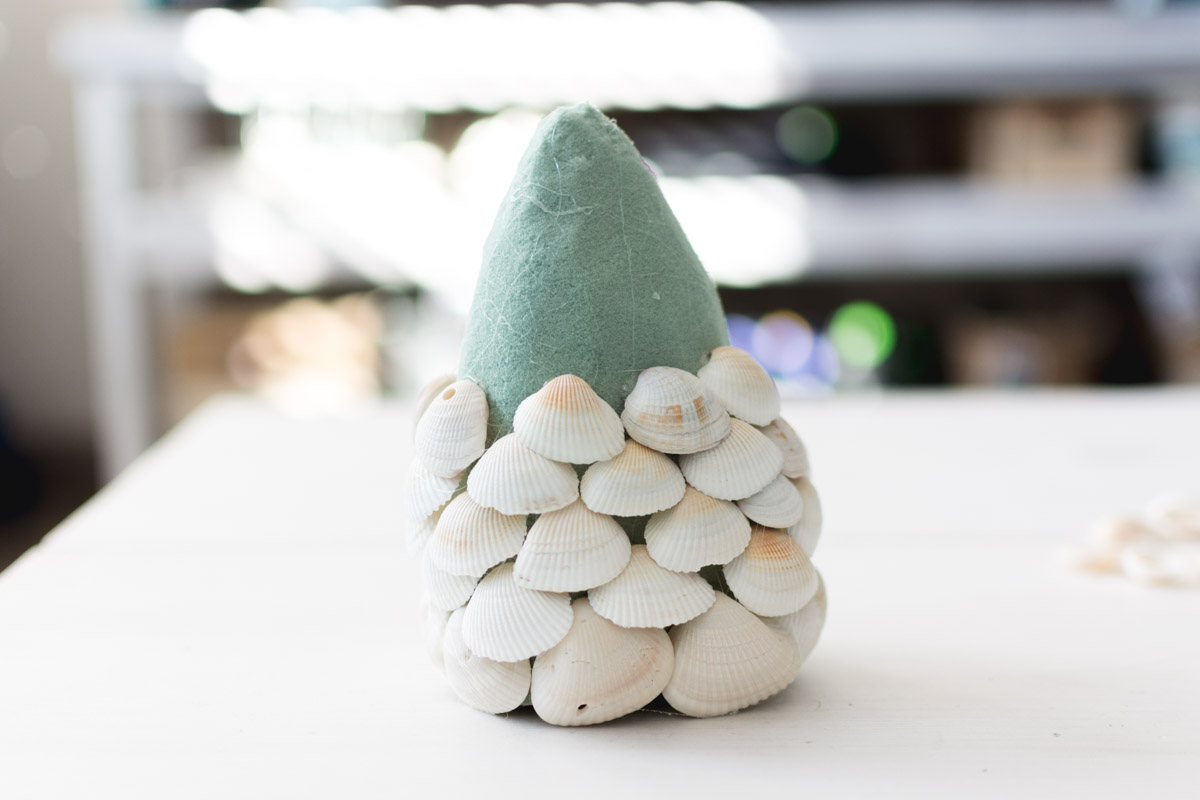 diy seashell christmas tree step 3 - sweet teal