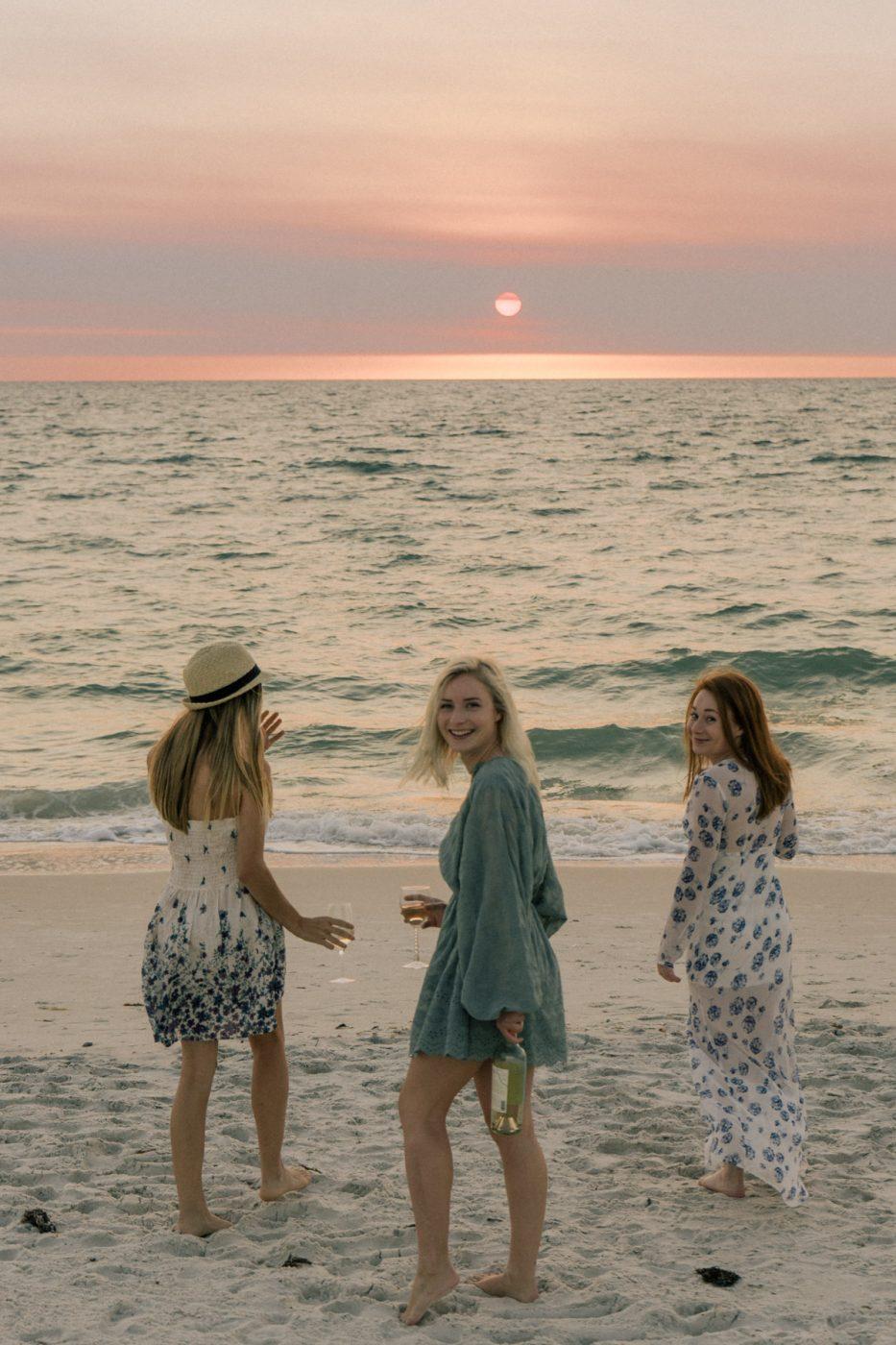 Line 39 Wine Beach Picnic - Sweet Teal