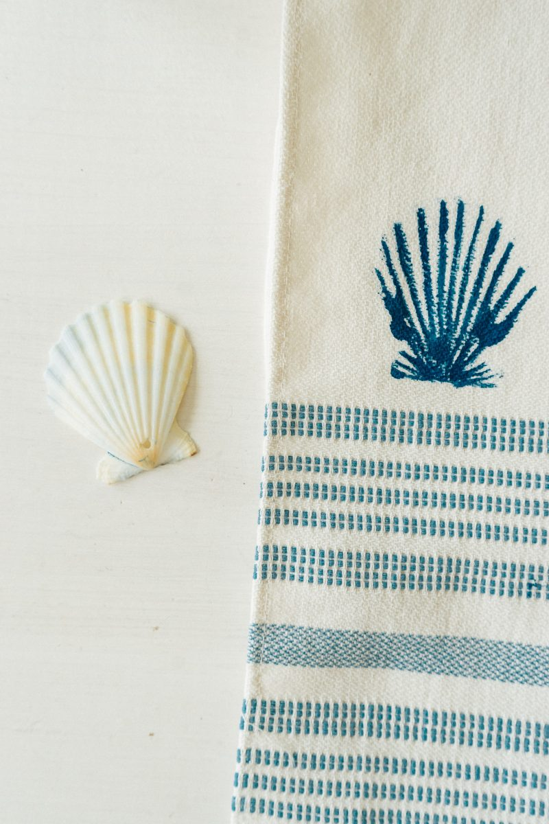 DIY Seashell Stamped Towels - Big Shell