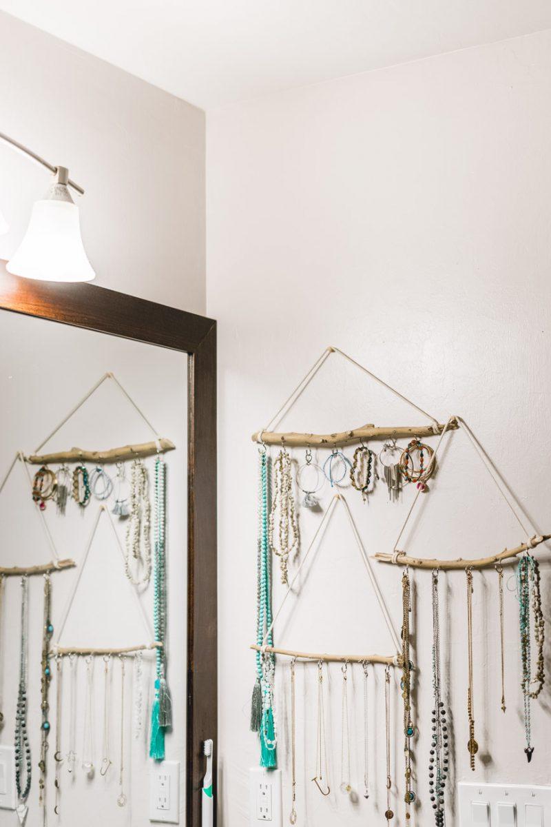 Bathroom organization: jewelry holder