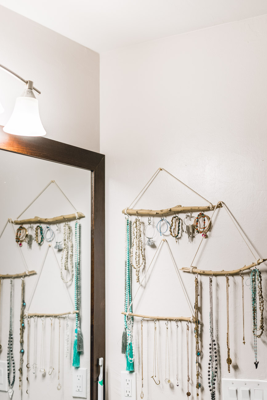 Bathroom organization: jewelry holder