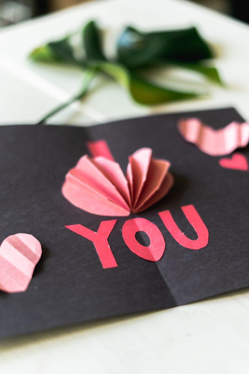 DIY Pop-Up Valentine's Day Card